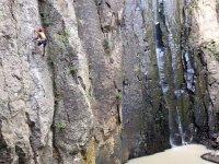 Escalada en roca en el Cuajo