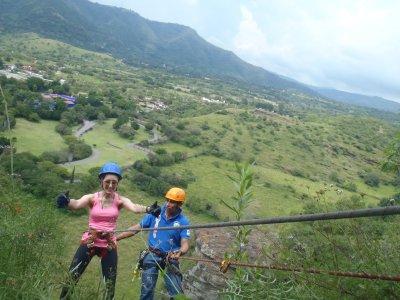 Rappel de 50 metros en las peñas de Malinalco