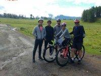 ruta en bici por el campo