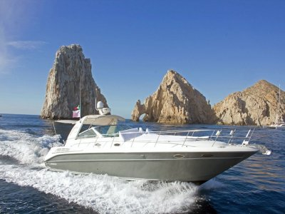 Yatch trip and snorkel. 3 hours. Los Cabos.