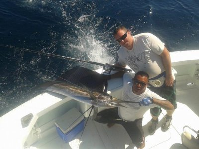 Fishing in private yatch in Huatulco