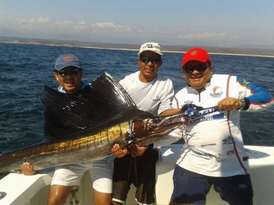 8h fishing journey with private yatch in Huatulco
