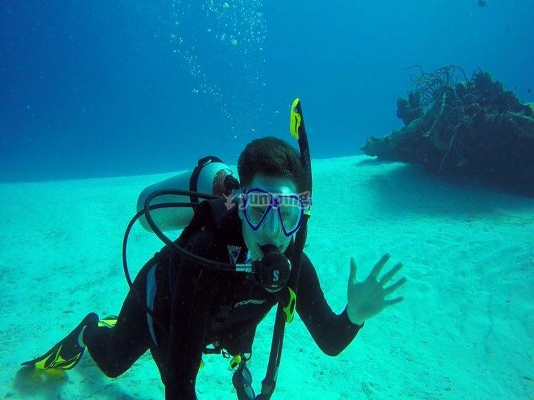Bucea en las profundidades
