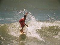 Clase de surf 80 minutos en Playa Diamante