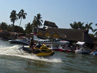 Tres Marías Acapulco Motos de Agua