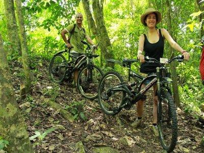 Tour en bici en Zona Arqueológica de Moxbikil