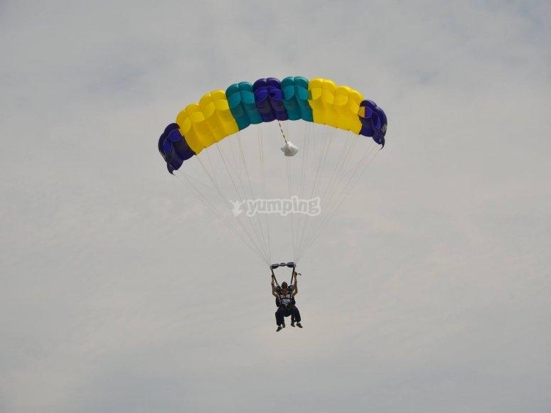 Parachoot jumping