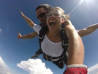 Tandem parachute jumping at 13000 feet in Teques