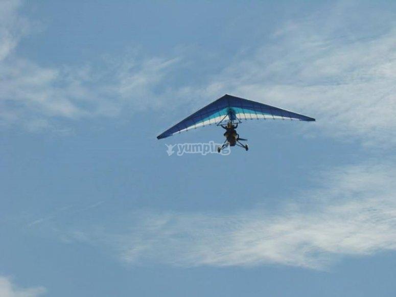 Volando en las nubes de teques