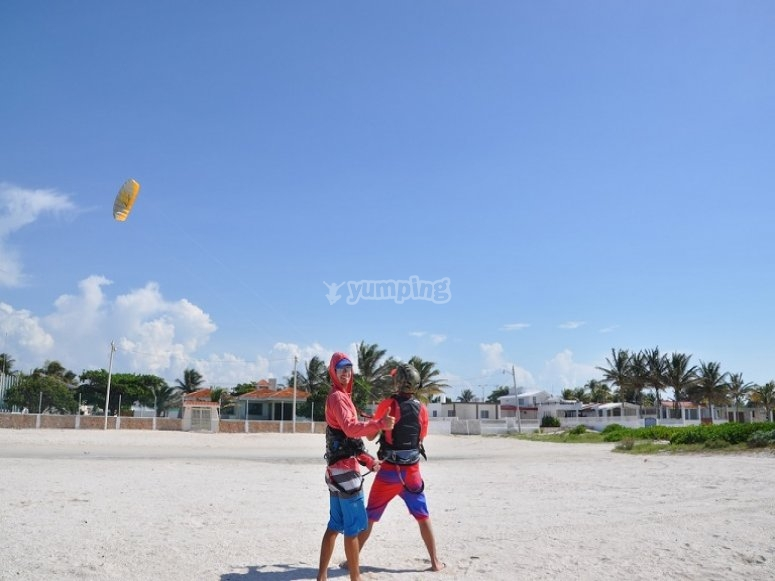 Kite lessons in the sand