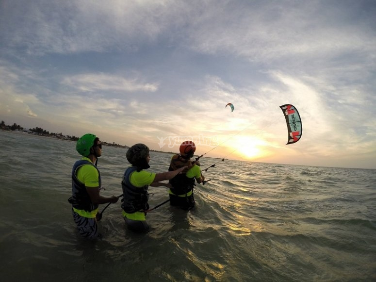 Kitesurf course with friends