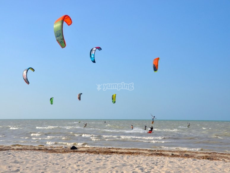 Live the kitesurfing experience
