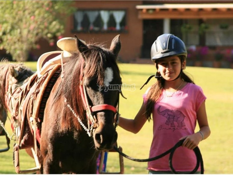 Horseback riding in Valle de Bravo