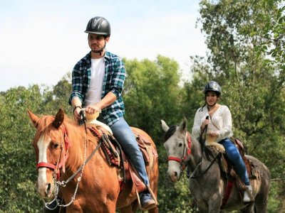 Camp horseback tours and 2 nights Valle de Bravo