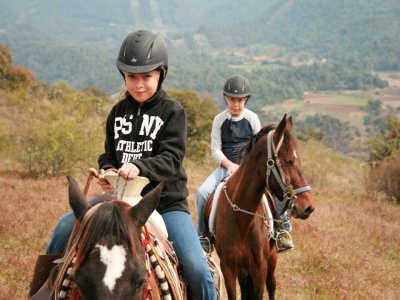 3-hour horse ride in Valle de Bravo