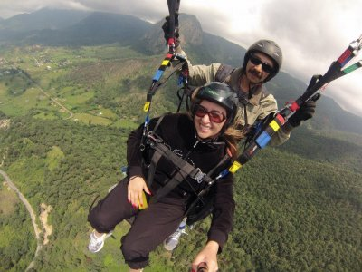 15min Paragliding Flight in Valle de Bravo