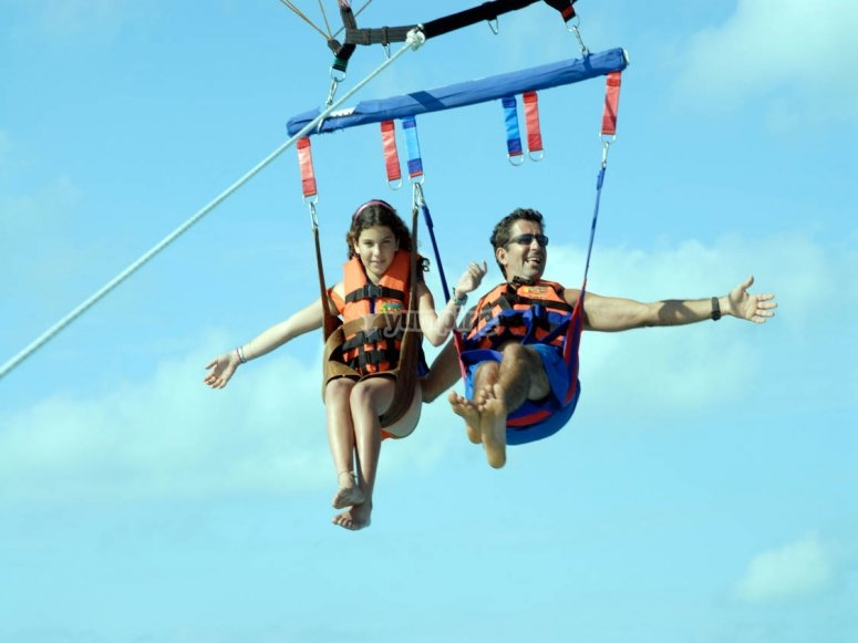 Paseo doble en parasailing