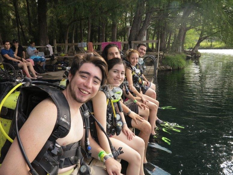Disfrutra de una clase de buceo en la Laguna de Media Luna