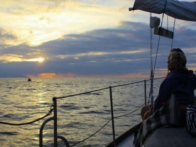 Paseo en barco por Bahía de Banderas al atardecer