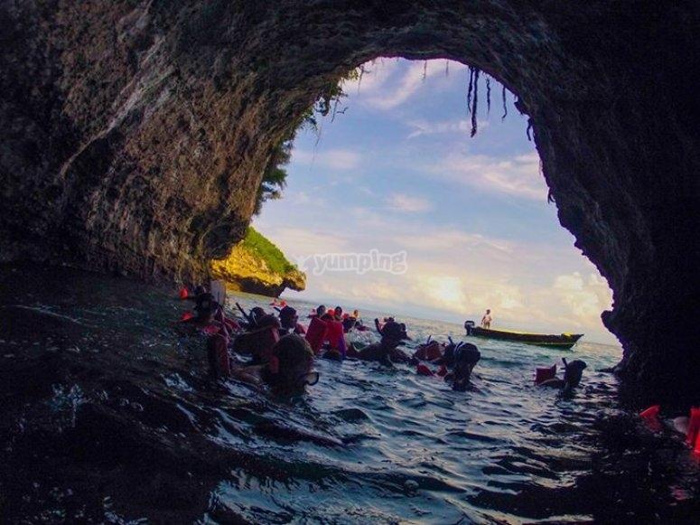 snorkel en la cueva