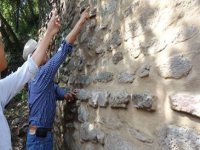 Con arqueologos