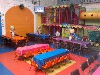Renta fiestas salón 4h domingo para 100 personas