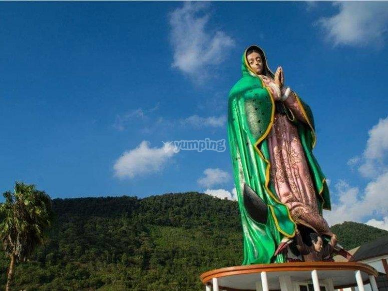 Monumental Virgen de Guadalupe