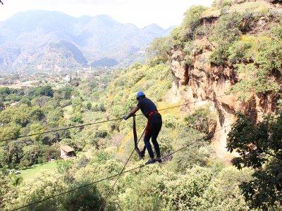 Rappel, canopy, escalada y albercas en Malinalco