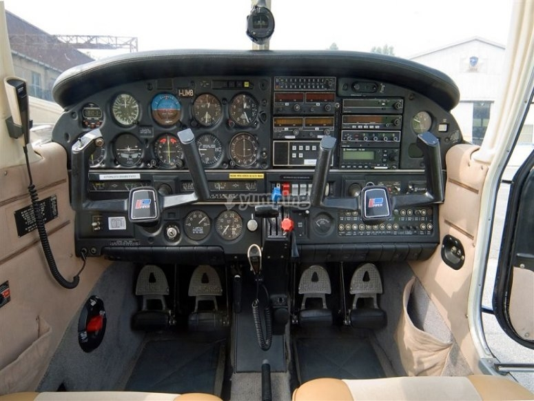 Dashboard of the plane