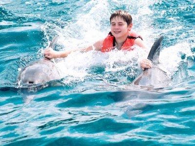 Nada Royal Swim VIP program for children Cancun