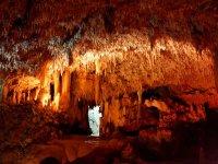 Cuevas con estalactitas