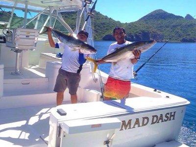 Pesca 3personas en yate compartido 6h Loreto