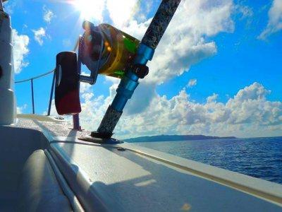 Salida de pesca 6h en yate compartido 4paxs Loreto
