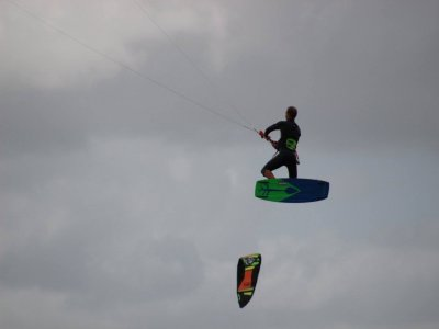 Rent a kitesurf board for 1 day in Cancún