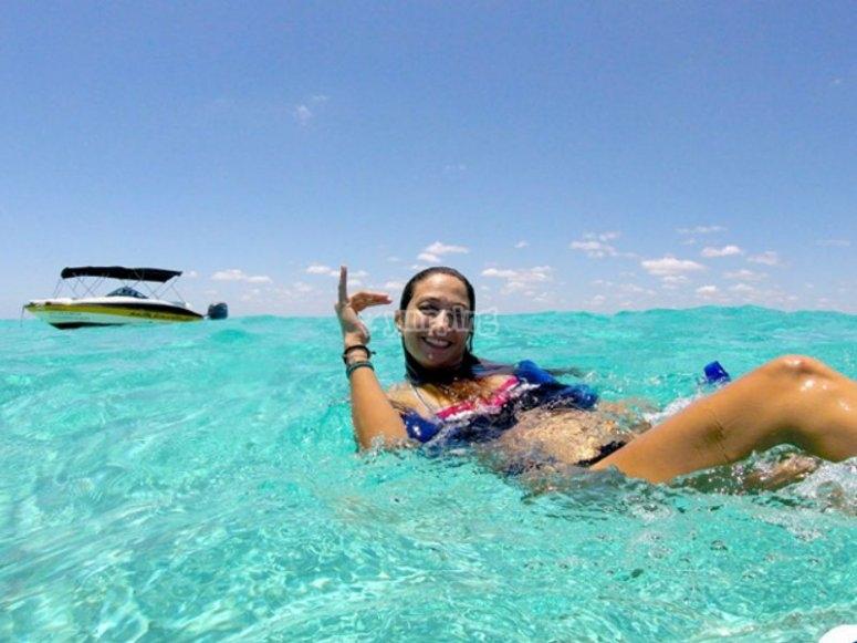 Disfrutando del mar cristalino