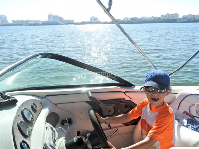 The little boat captain
