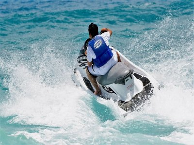 Jet ski for 30 minutes in Tortuga Beach