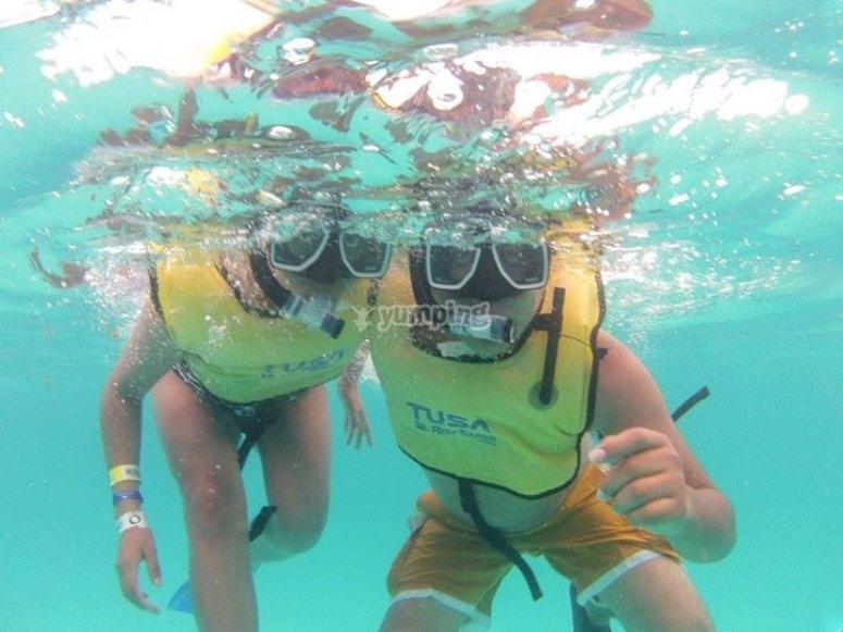 snorkeleando en el caribe