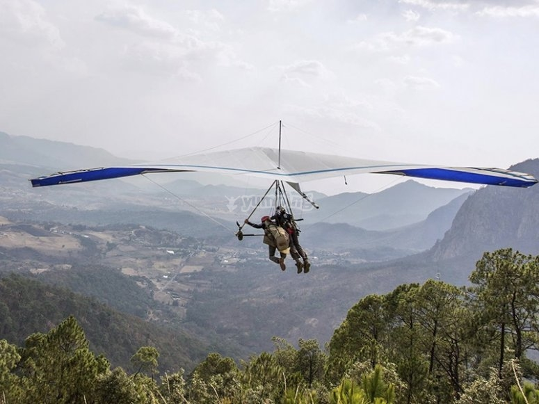 The best flight techniques over the mountains