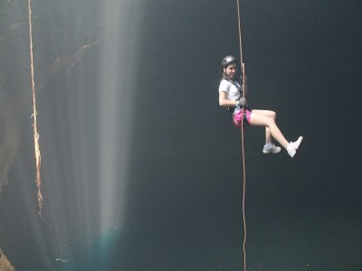 Rappel + snorkling +slackline in 2 natural wells