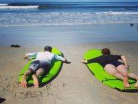 ven con tu pareja a practicar surf