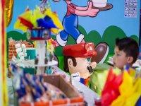 Mesa de dulces y piñata
