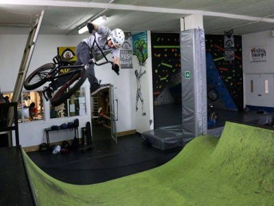 Free access with BMX, skate or climbing equipment