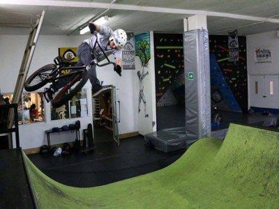 Acceso libre con tu BMX, Skate o equipo escalada