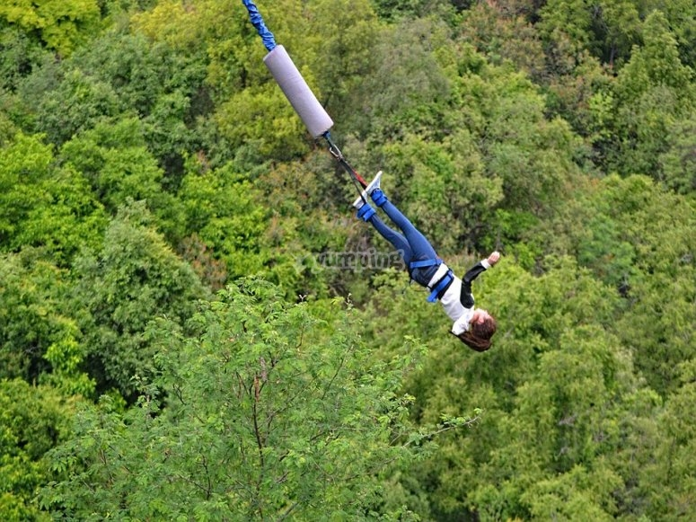 Bungee jump in DF