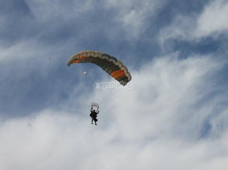 Gliding in parachoot