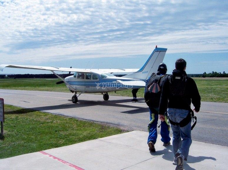 Parachute airstrip