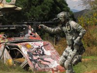 Enjoy yourself by playing paintball
