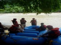 Preparandose para la aventura del rafting