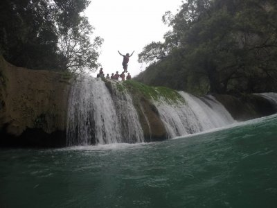 Canyoing and rappel in Huasteca Potosina. 1 day.